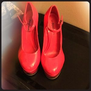 Shoes - Size 8.5 cute pink heels
